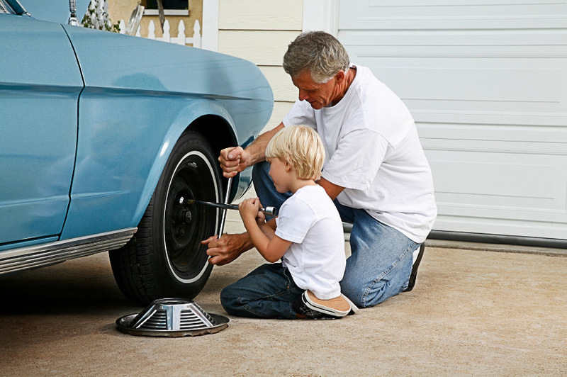 content_car-insurance-dad-son